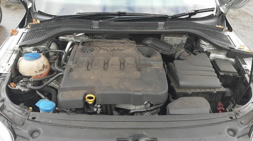 Rampa injectoare Seat Toledo 2015 Sedan 1.6 TDI