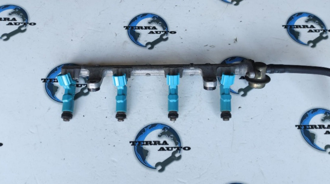 Rampa injectoare Toyota Yaris 1.0 benzina cod motor 1SZ-FE