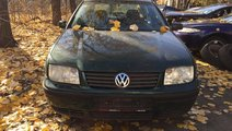 Rampa injectoare VW Bora 2002 Berlina 1.6 16 v