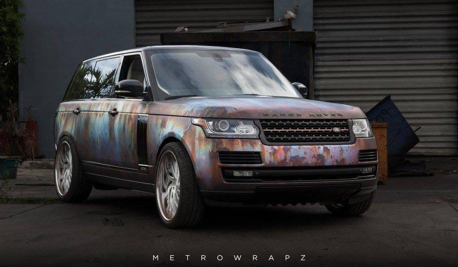 Range Rover cu caroseria ruginita