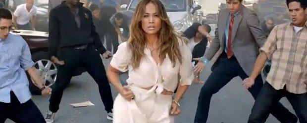Reclama Fiat: Jennifer Lopez promoveaza noul Fiat 500C cum stie mai bine. Dansand!