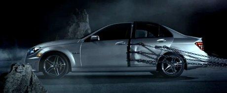 Reclama la noul Mercedes-Benz C-CLass Coupe, scapat din lanturi