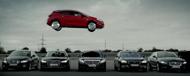 Reclama noului Opel Astra ia la tinta Mercedes-ul S-Class si segmentul de lux