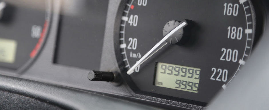 Record de kilometri la bordul unei Skoda Fabia