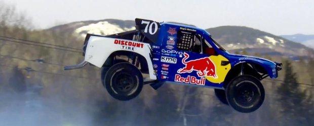 Red Bull Frozen Rush: off-road cu masini pe partia de schi, un nou sport de iarna