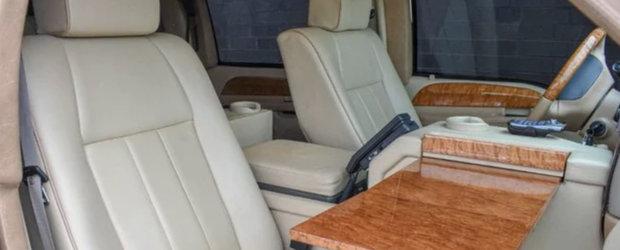 Regele Iordaniei si-a scos la vanzare vechea limuzina de lux. POZE REALE