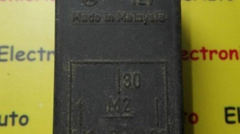 Releu antena Mercede-Benz 8697212206, 8 697 212 206