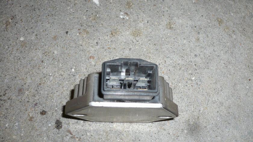 Releu incarcare regulator tensiune Piaggio X9 motor Honda 250 cm