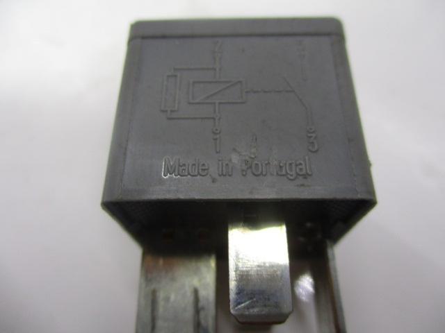 RELEU / MODUL ( GRI ) COD F80B-14B192-AA FORD FOCUS 1 FAB. 1998 - 2005 ⭐⭐⭐⭐⭐