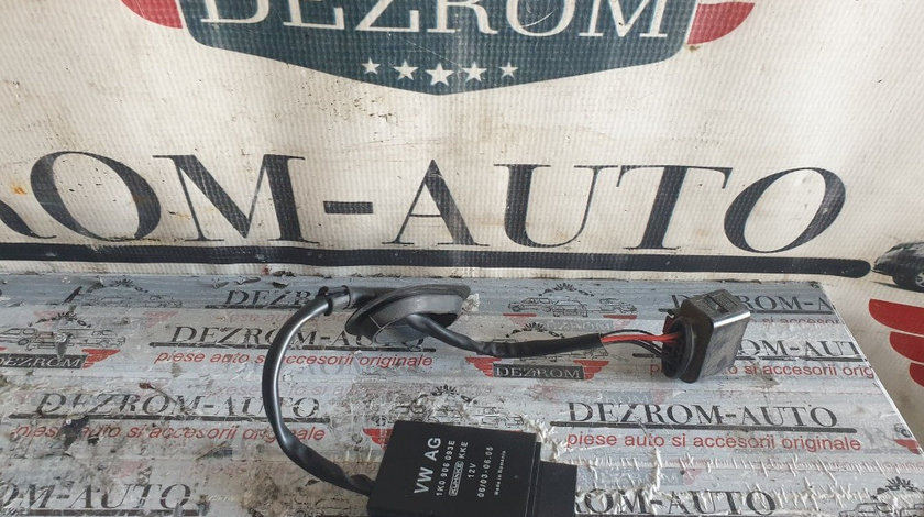 Releu pompa combustibil original Audi A1 8X Sportback cod piesa : 1K0906093E