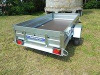 Remorca auto 750 kg Niewiadow dimensiune 262x132 (suspensie cu arcuri)