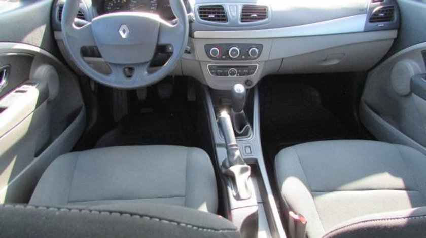 Renault Megane Authentique 1.5 dCi 90 CP 2012