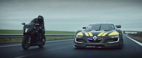 Renault Sport RS 01 devine cea mai cool masina de politie. Pentru doar 2 minute, ce-i drept.