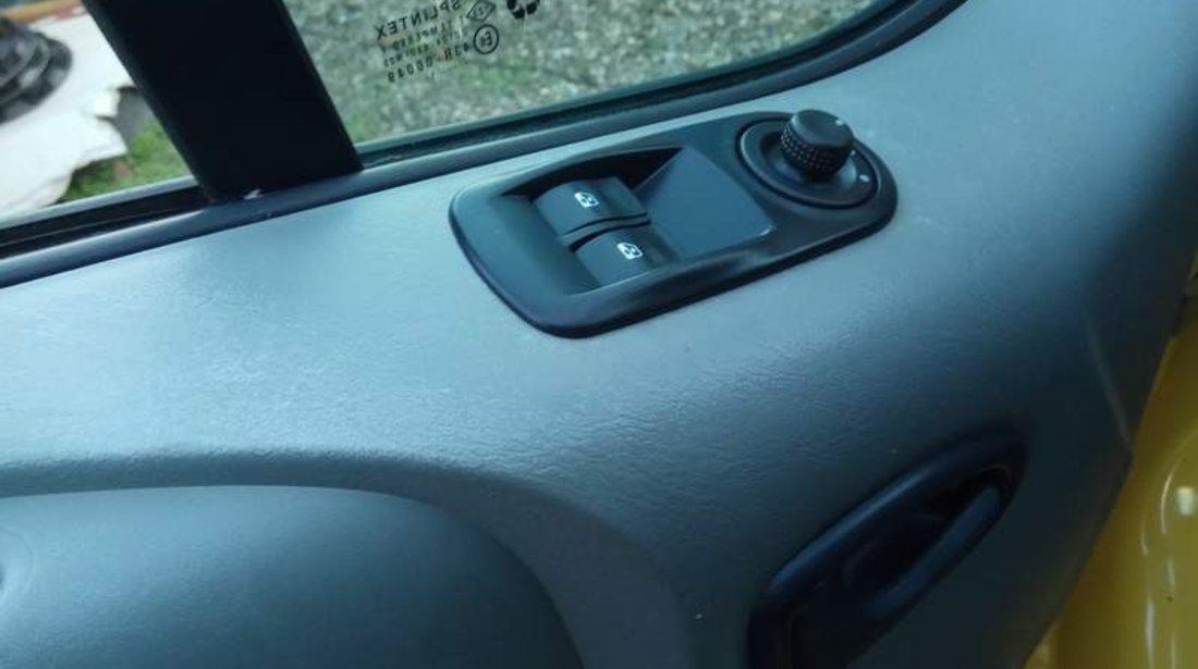 Renault Trafic 2011 2.0DCi 90CP - finantare fara venituri, avans zero