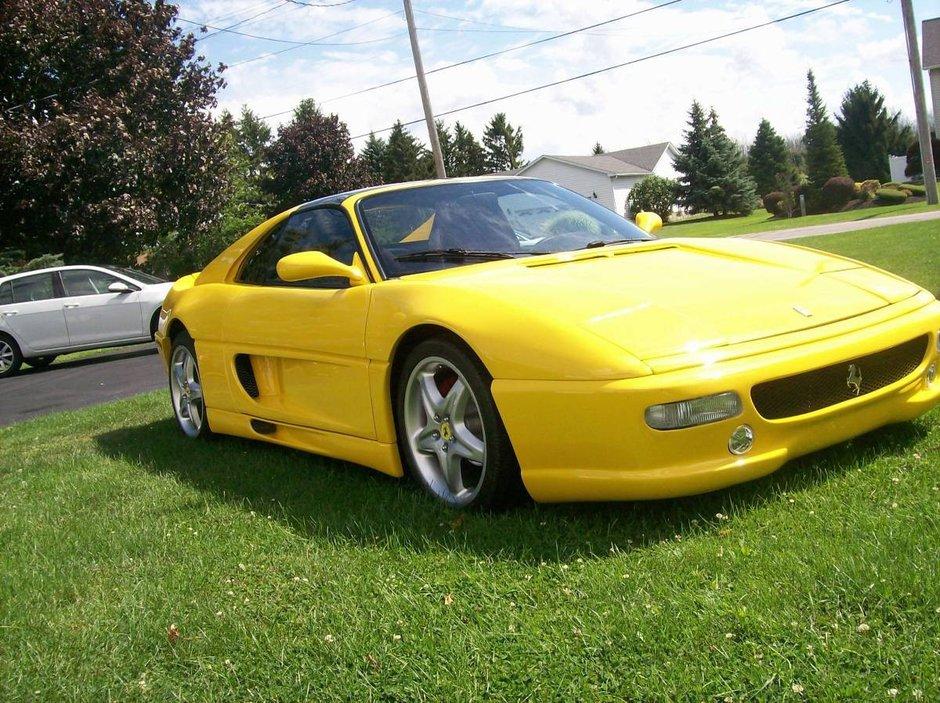 Replica Ferrari 355