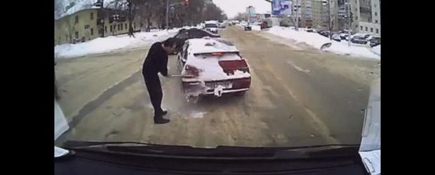 Respect in trafic: Cel mai nou clip din Rusia inlocuieste violenta cu omenia