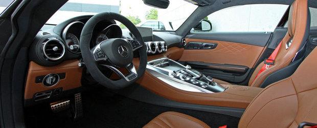 Reteta unui viitor clasic: Noul Mercedes AMG GT in negru si maroniu