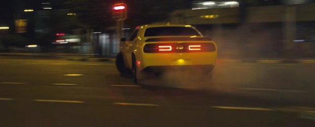 Rhys Millen face drifturi cu un Dodge Challenger Hellcat in Africa de Sud