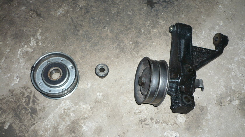 Role curea aceesori si Suport Alternator Opel Frontera 2.5