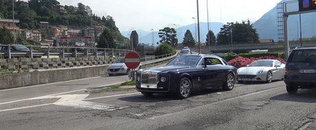Rolls-Royce-ul de aproape 13 milioane de dolari a fost surprins in premiera pe strada