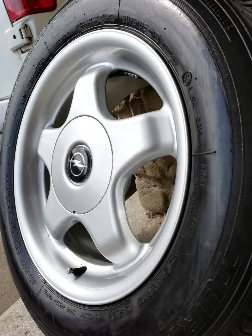 Roti Opel Zafira Vectra Astra - Jante aliaj 15 + Anvelope vara 205 65 15