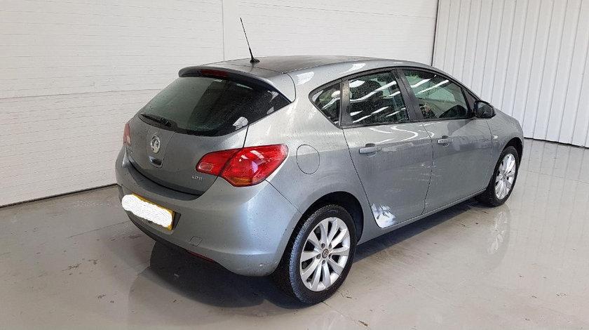 Rulment cu butuc roata spate Opel Astra J 2012 Hatchback 1.7 CDTI