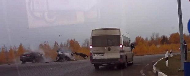 Rusul Zburator: Iata DE CE e indicat sa porti centura de siguranta
