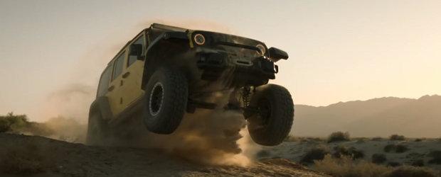 Sa nu zici ca nu te-am avertizat. Filmul ASTA iti va face o pofta nebuna de... sarit cu Jeep-ul