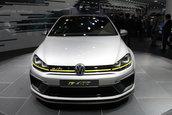 Salonul Auto de la Beijing 2014: VW Golf R400 Concept