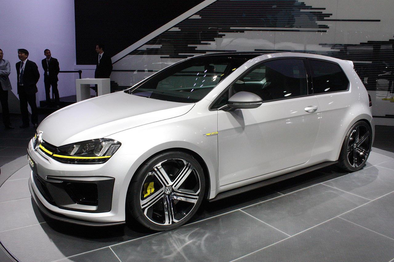 Salonul Auto de la Beijing 2014: VW Golf R400 Concept - Salonul Auto de la Beijing 2014: VW Golf R400 Concept