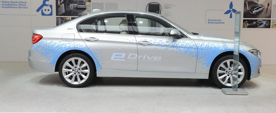 Salonul Auto de la Frankfurt 2015: Noul BMW 330e, imagini reale