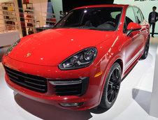 Salonul Auto de la Los Angeles 2014: Porsche 911 Carrera si Cayenne GTS