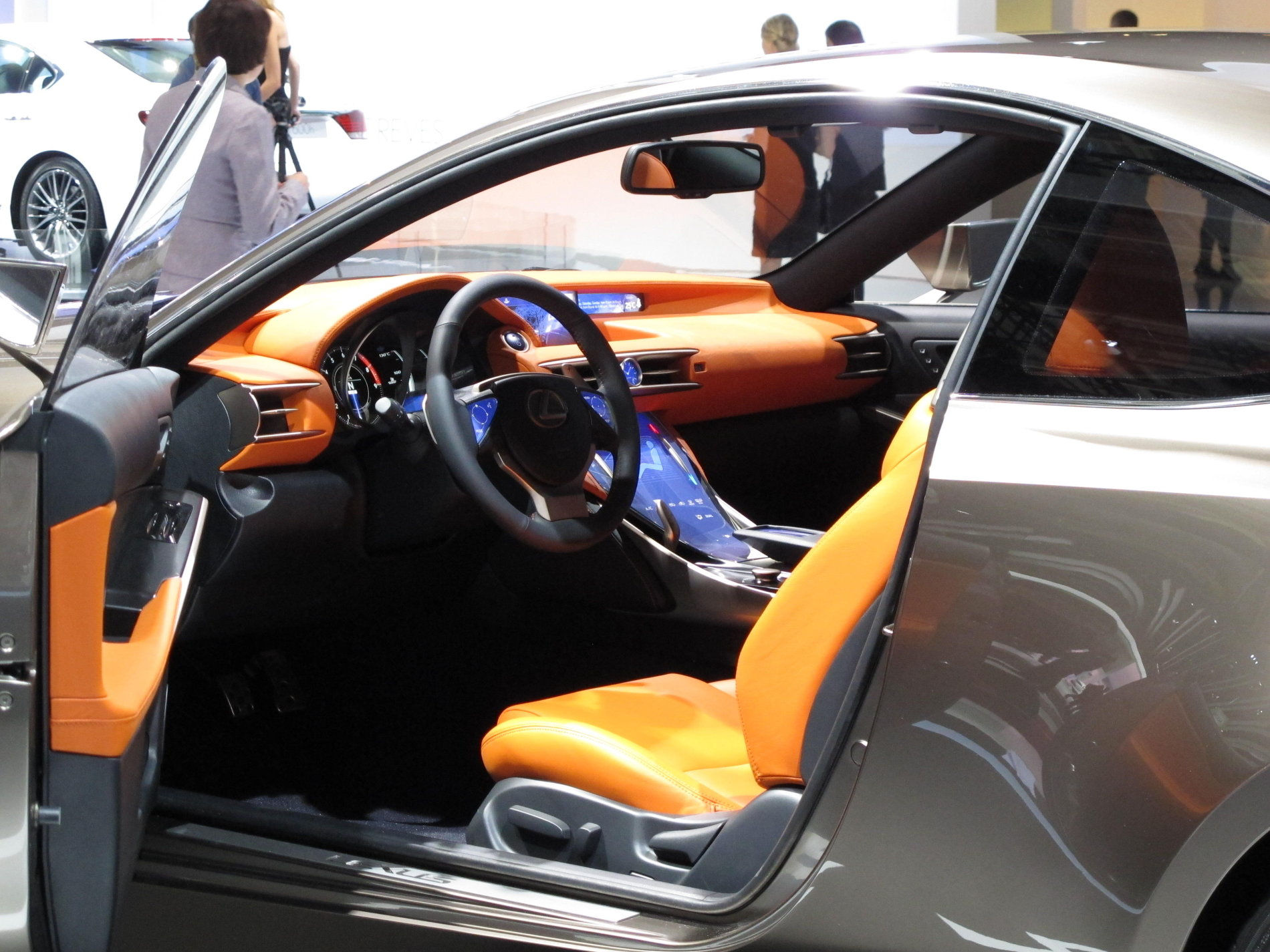 Salonul Auto de la Paris 2012: Lexus LF-CC Concept - Salonul Auto de la Paris 2012: Lexus LF-CC Concept