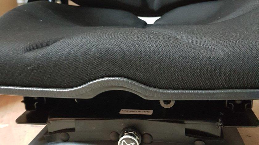 Scaun perna aer tractoare utilaje agricole combine cu compresor încorporat