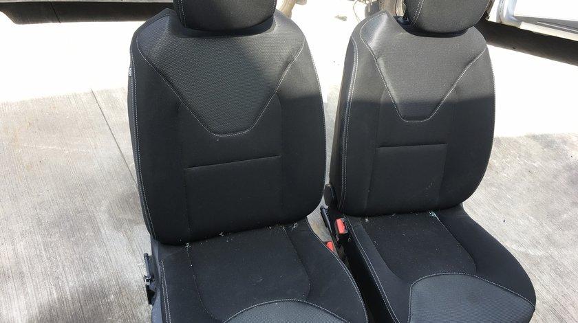 Scaune fata cu airbaguri Renault Clio 4 IV  Pretul variaza in functie de culoare si scaun