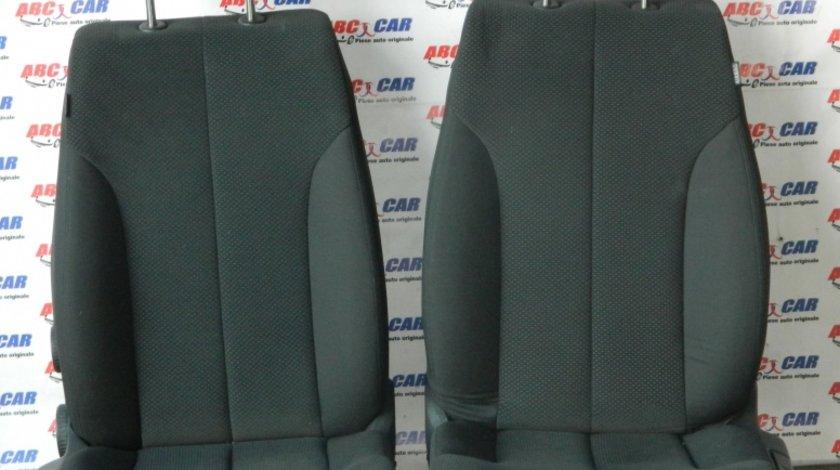 Scaune stanga-dreapta fata din material VW Passat B6 2005-2010
