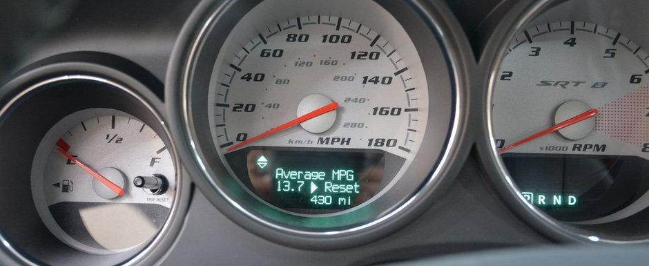 Scos din capsula timpului si pus la vanzare pe internet: Dodge-ul Challenger SRT8 cu 692 de kilometri la bord