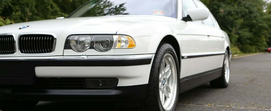 Scos din capsula timpului si pus la vanzare pe internet: BMW-ul E38 cu motor V8 si kilometri putini