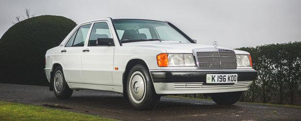 Scos din capsula timpului si pus la vanzare pe internet: Mercedes-ul 190E cu 19.149 de kilometri la bord
