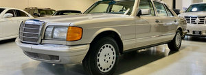 Scos din capsula timpului si pus la vanzare pe internet: Mercedes-ul S-Class de generatie a doua cu motor V8 si kilometri putini