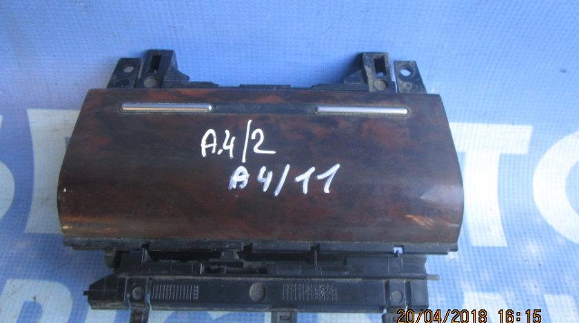 Scrumiera Audi A4 ; 8E0857951F