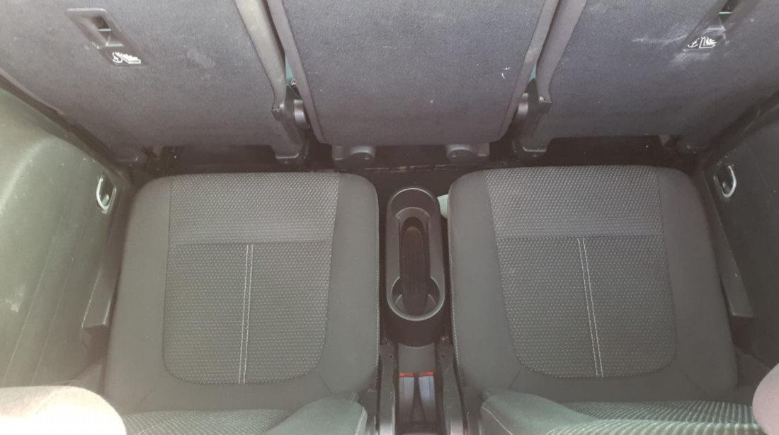 Scrumiera Opel Zafira C 2011 7 locuri 2.0 cdti