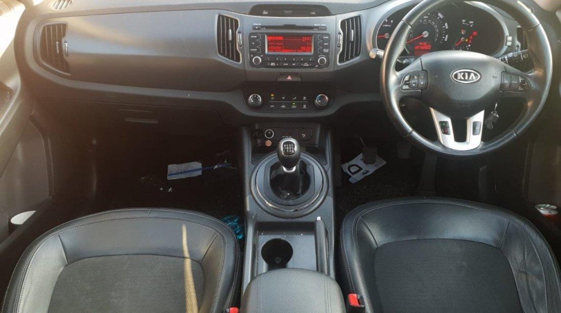 Scut motor plastic Kia Sportage 2011 2x4 d4fd 1.7 crdi