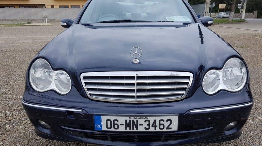 Scut motor plastic Mercedes C-CLASS W203 2006 berlina 2.2
