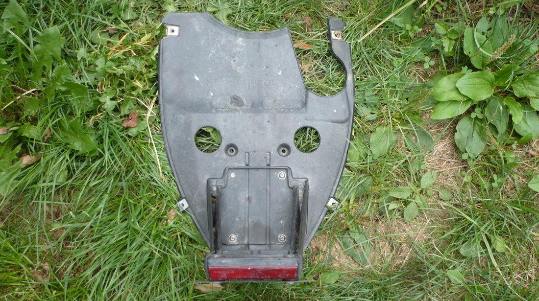 Scut rezervor + aripa numar Aprilia Sr Factory Injectie/Carburatie