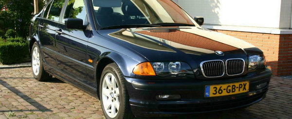 Se desparte de el dupa 19 ani. Acest BMW din 2000 are 490.000 km si e de vanzare