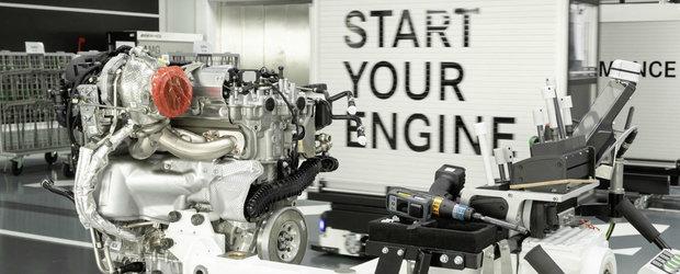 Se lauda cu 210 CP per litru. Mercedes prezinta motorul care va face din A45 regele hot-hatch-urilor