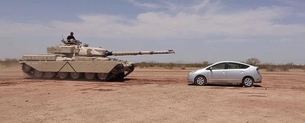 Se mai poate deschide usa unei Toyota Prius dupa ce un tanc trece peste ea ?