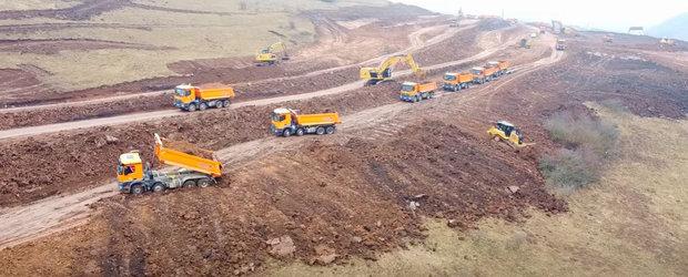 Se poate si in Romania: desfasurare de forte pe santierul unui tronson de autostrada, cum vezi numai in China