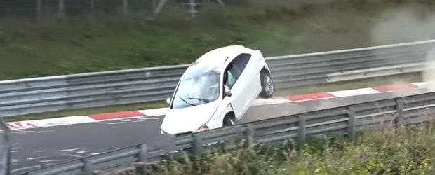 Se putea sfarsi urat dupa ce a ramas fara ABS pe Nurburgring. VIDEO cu momentul